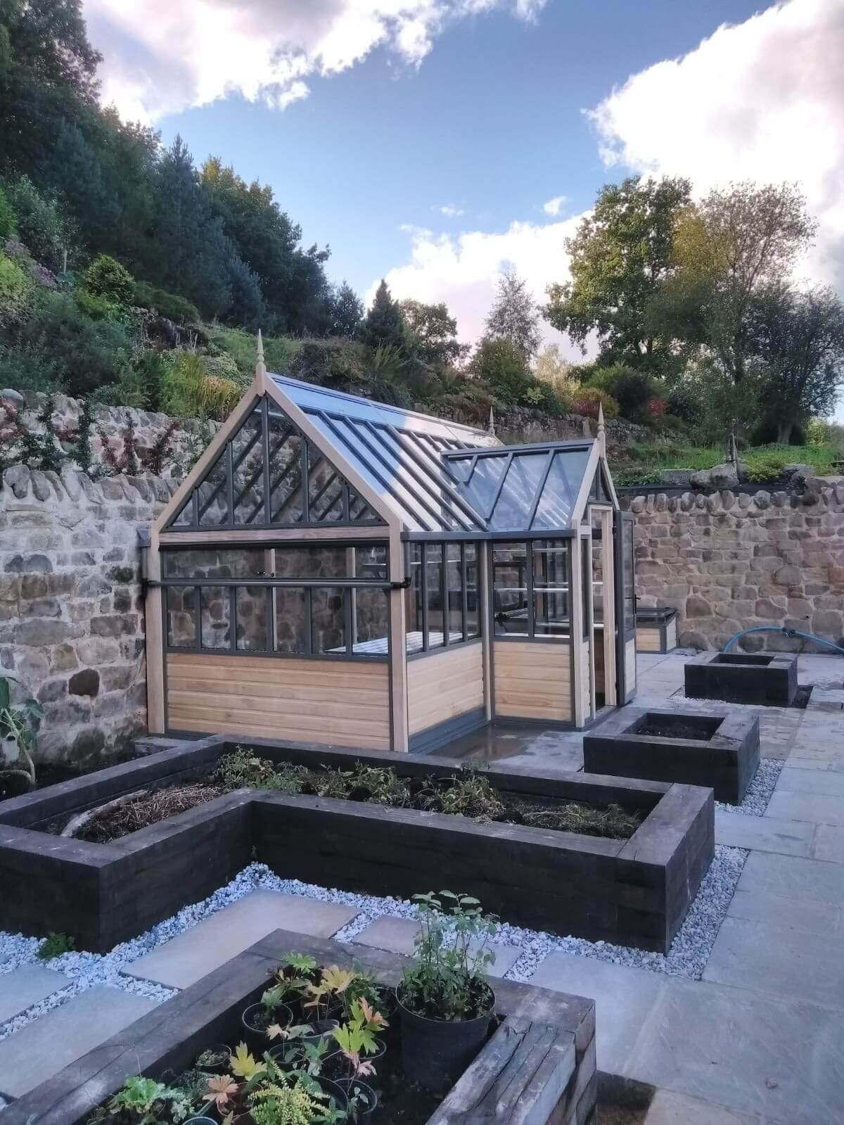Abutting porch greenhouse