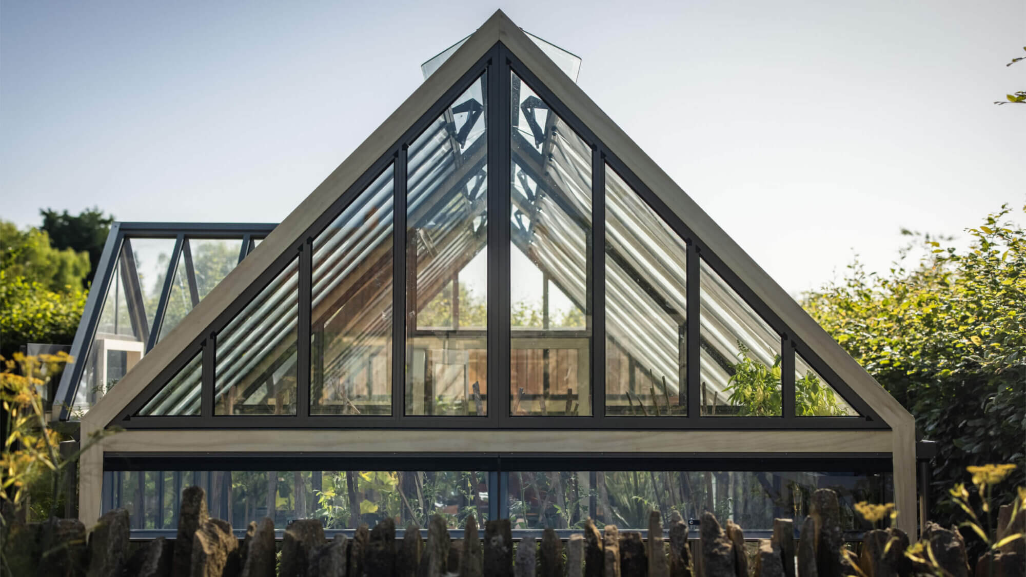 accoya greenhouse apex detail