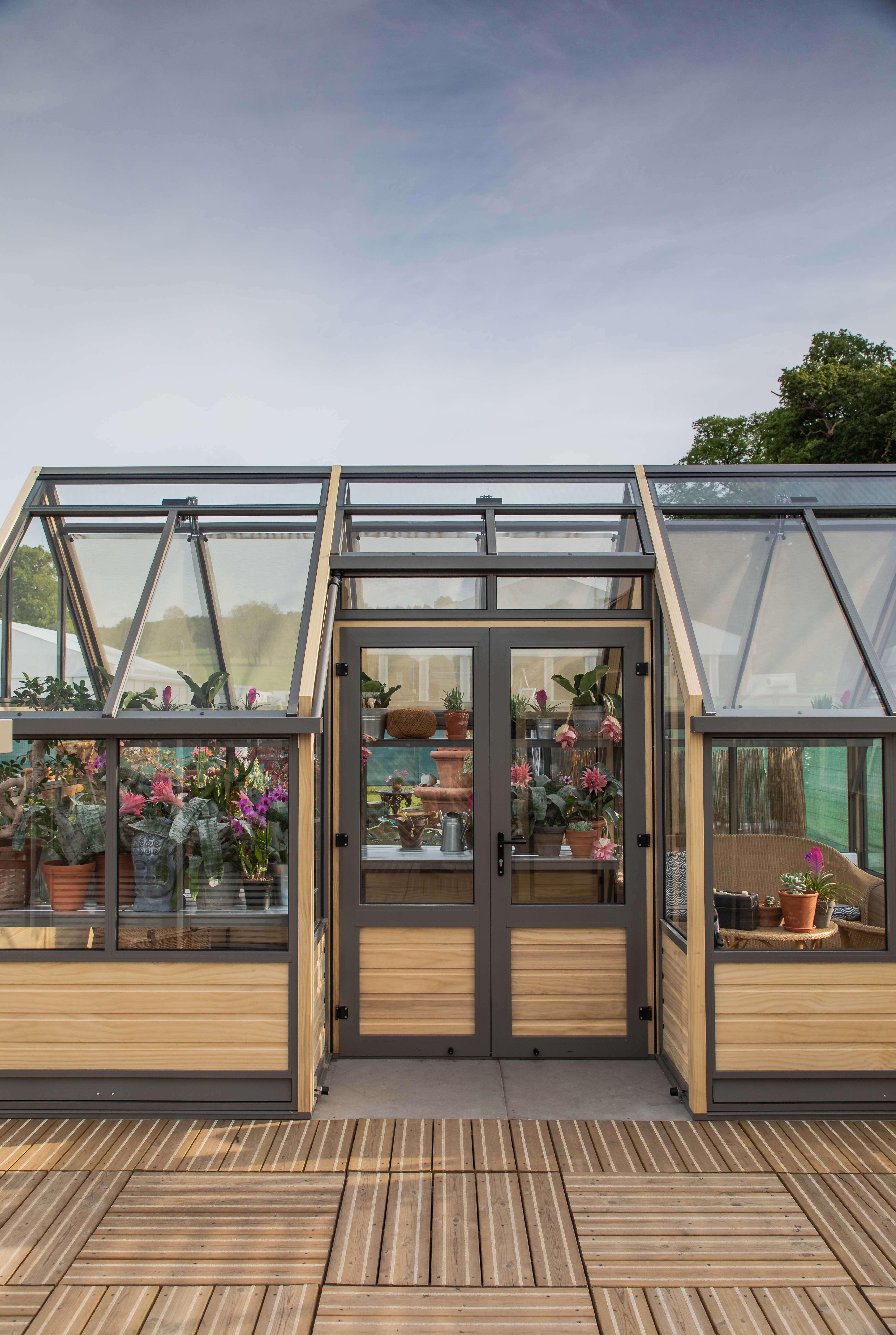 Alcove Greenhouse