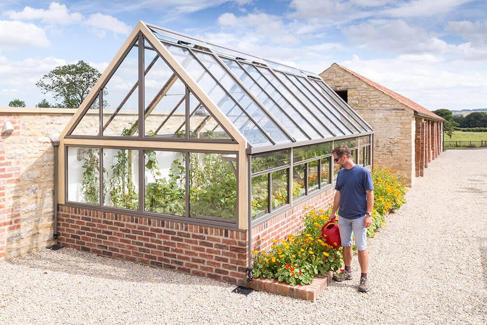dwarf-wall-greenhouse
