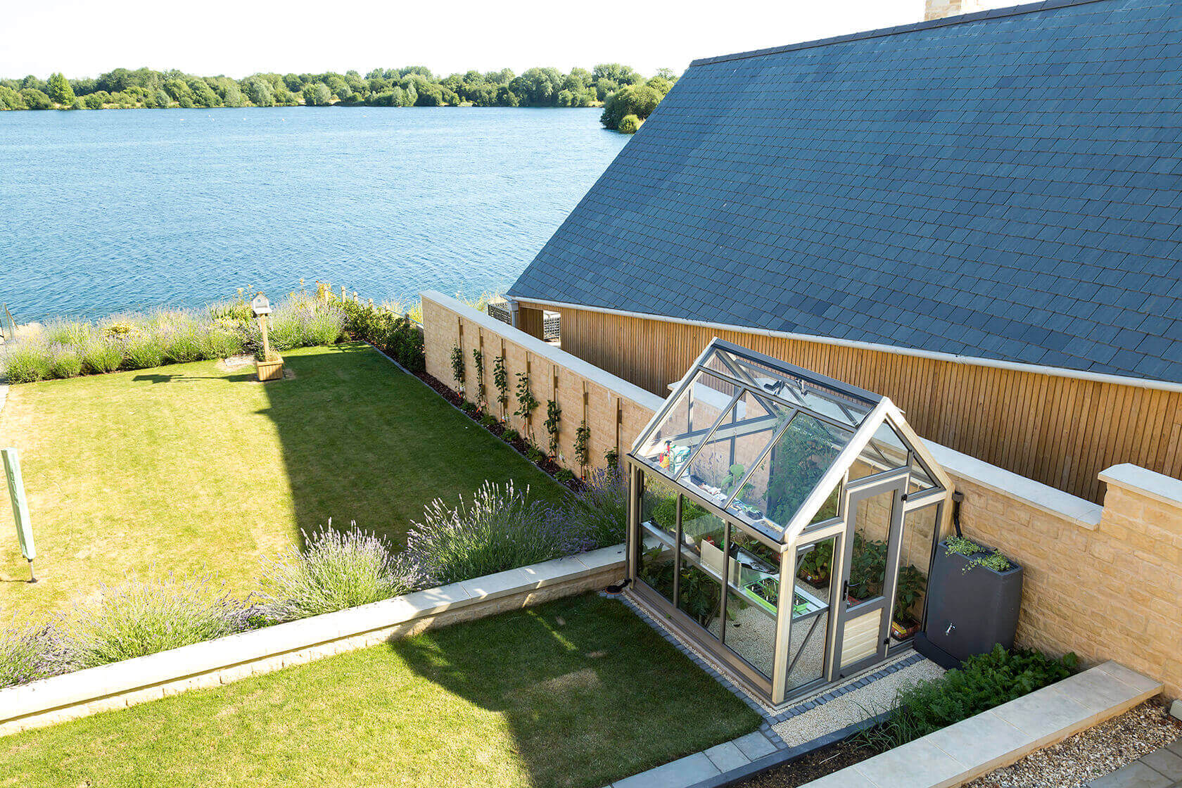 A Greenhouse for a Terrace Garden