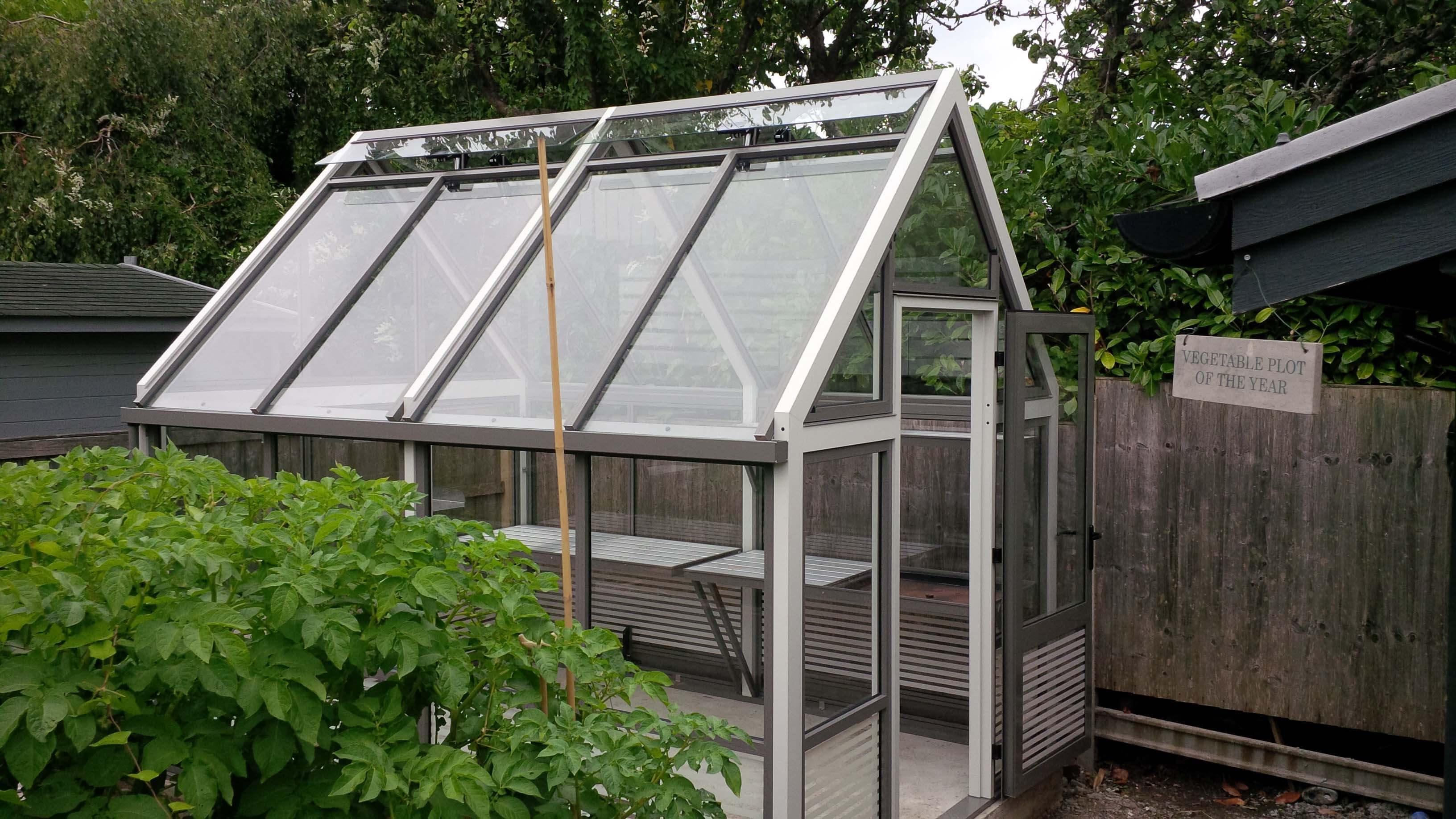 New aluminium striped greenhouse